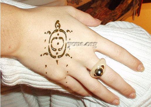 turtle henna on hand